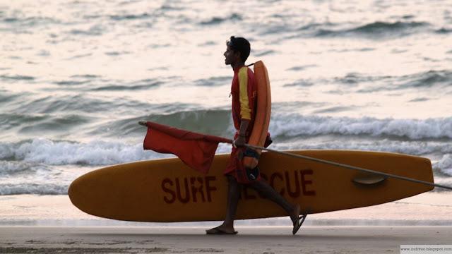 Hengenpelastaja Goan uimarannalla