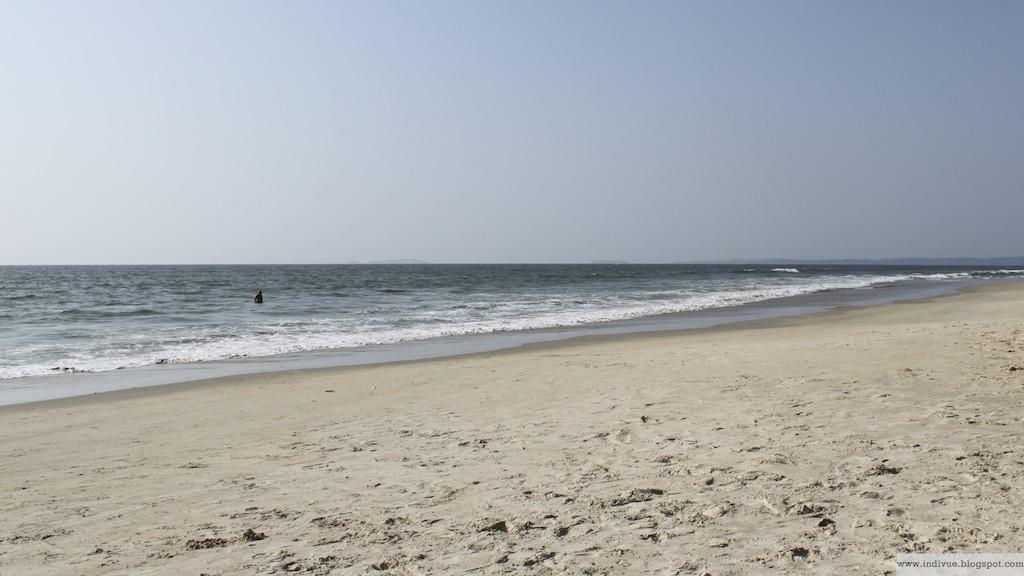 Aurinkoinen Colva Beach Goassa
