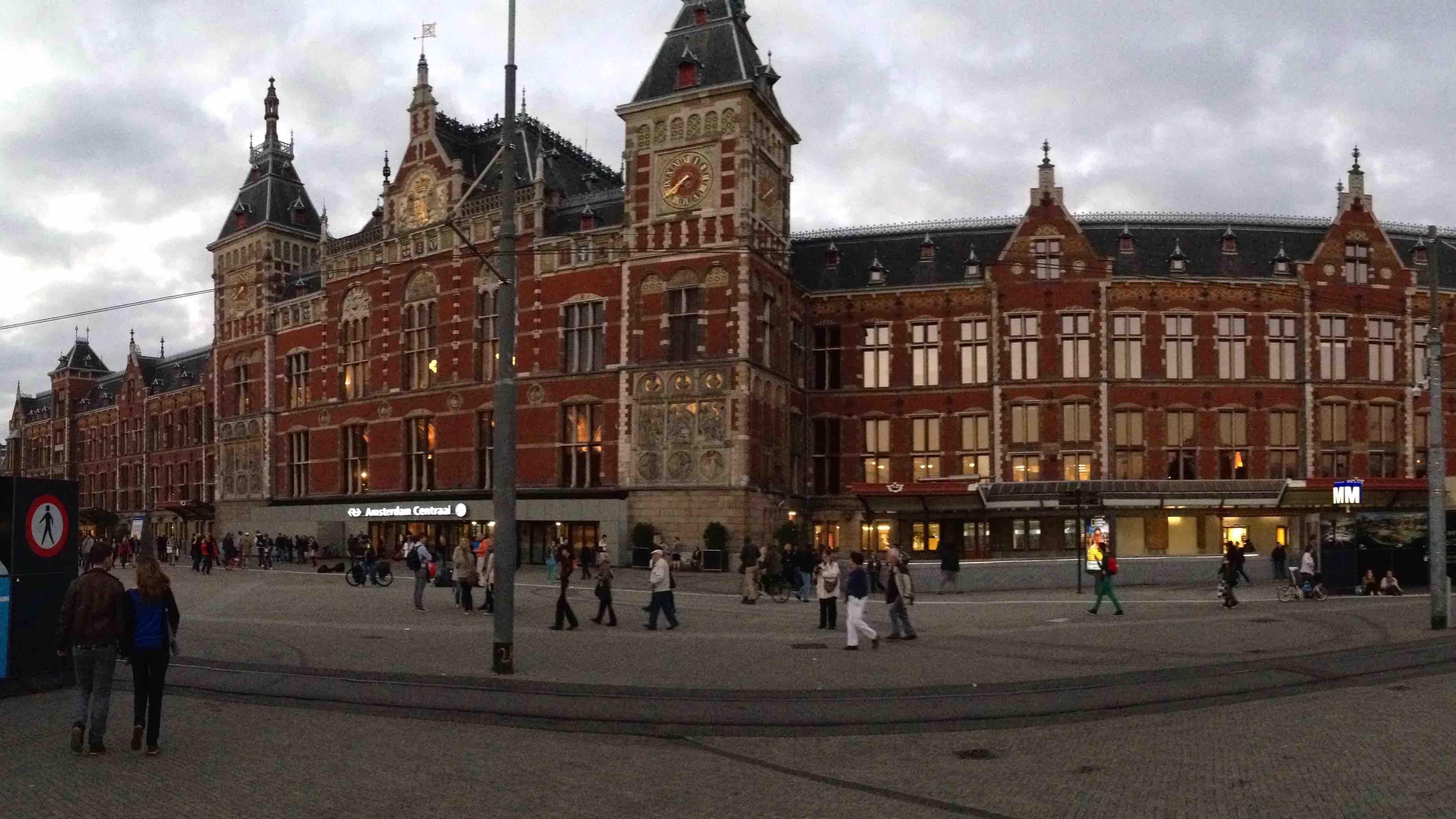 Juna-asema, Amsterdam