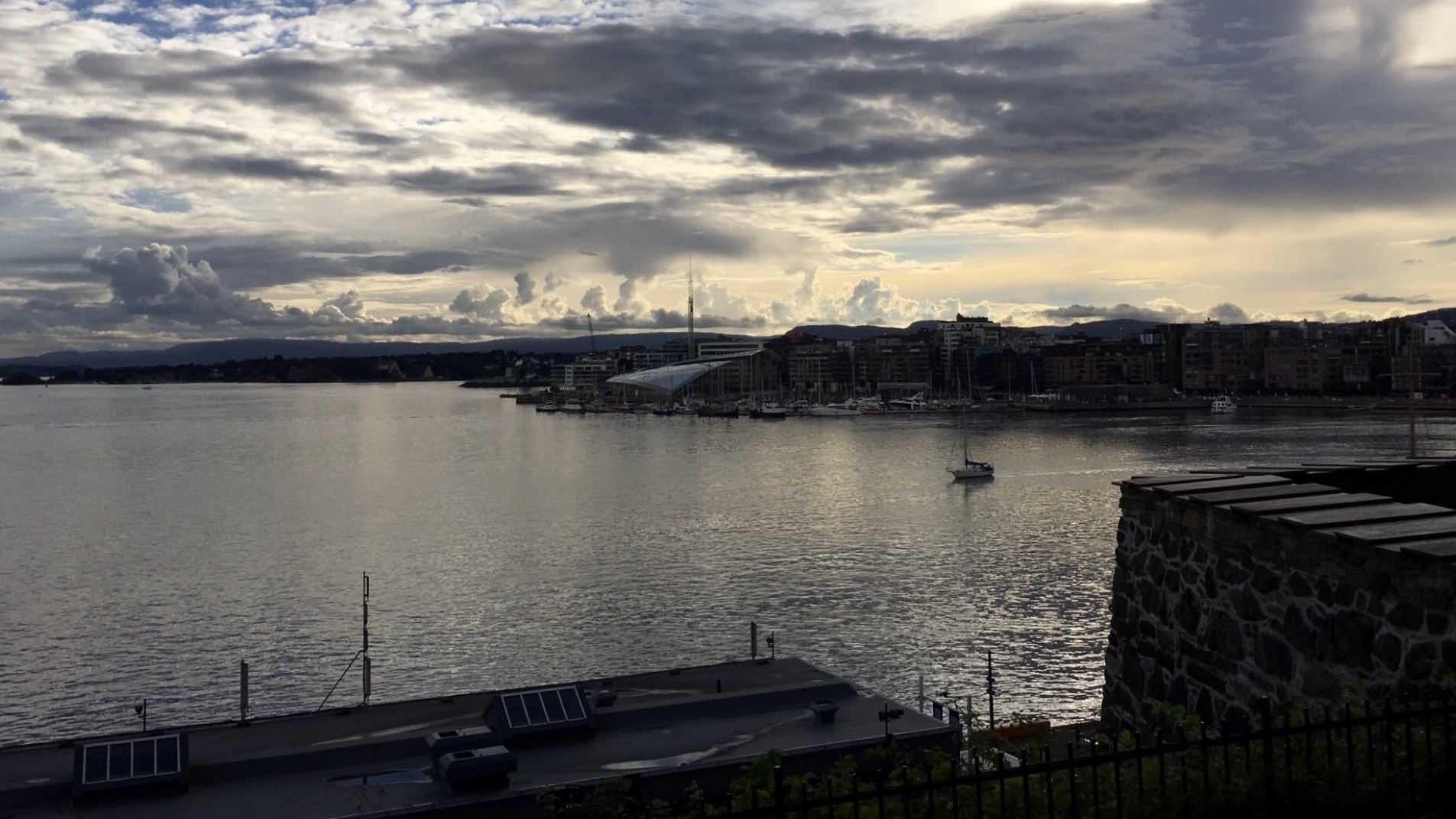 Kesäilta Oslossa