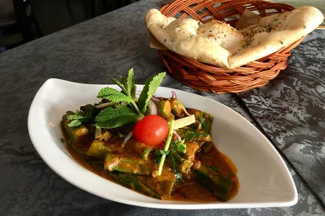Bhindi ja Naanleipä
