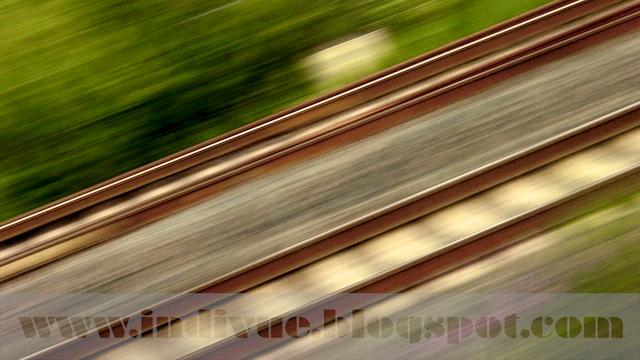 Suomalainen rautatie ennen auringonlaskua