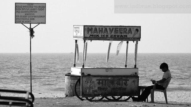 Jäätelönmyyjä Intian Gokarnassa