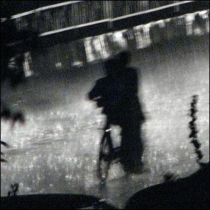 Toukokuista sadetta Delhissä