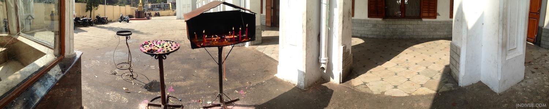 St. Thomas Cathedral Basilica Chennaissa ja kynttilät