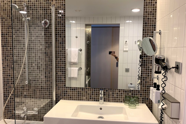 Hotelli Scandic Superior kylpyhuone