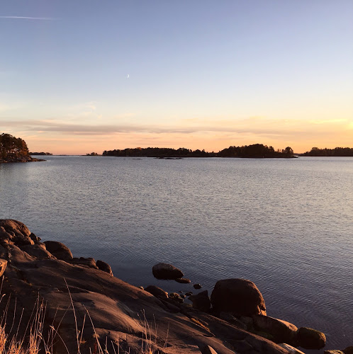 Syksyinen auringonlasku Suomessa