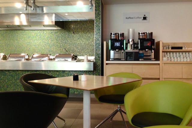 Aamiaisbuffetkahvia Scandic Potsdamer Platzin ravintolassa