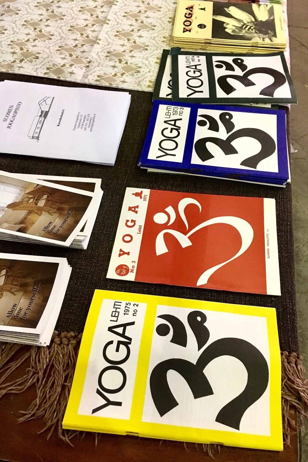 Joogaopiston lehtiä Joogafestivaleilla Kaapelitehtaalla