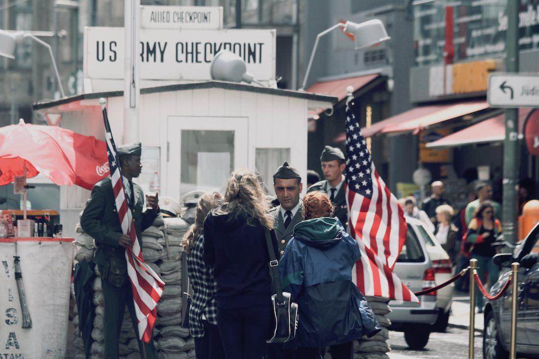 Checkpoint Charlie Berliinissä