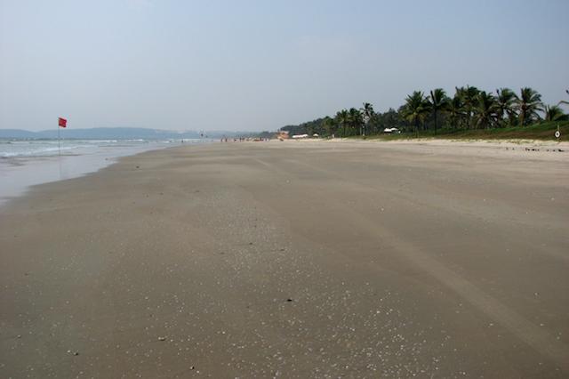 Arossim Beach ja simpukankuoret Park Hyatt -hotellin edustalla