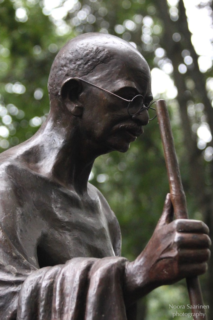 Mahatma Gandhi patsas Helsinki