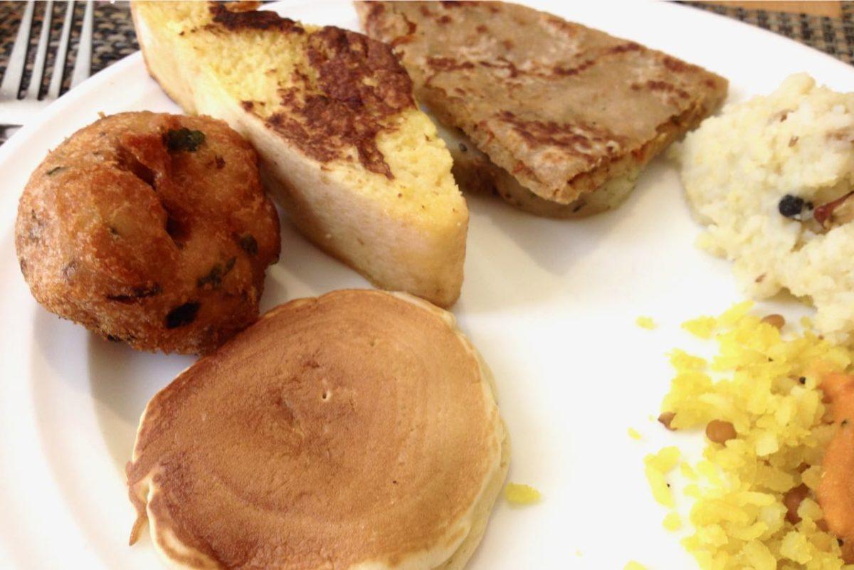Eteläintialaisia ja ranskalaisia aamupaloja