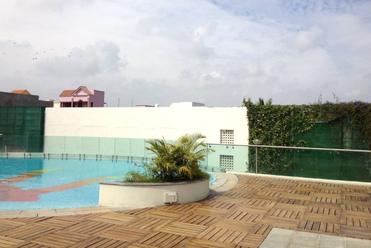 Pondicherryläisen Sunway Manor -hotellin sisäpihaa