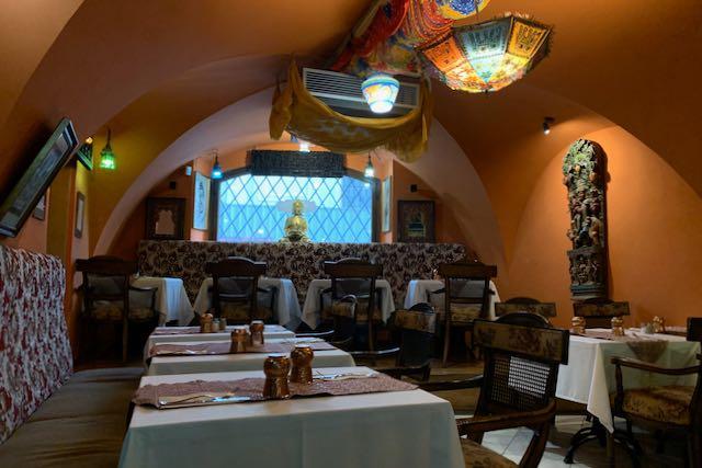 Indian Jewel -ravintolan sisustusta