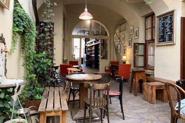 Cafe & Club Míšeñská Prahassa