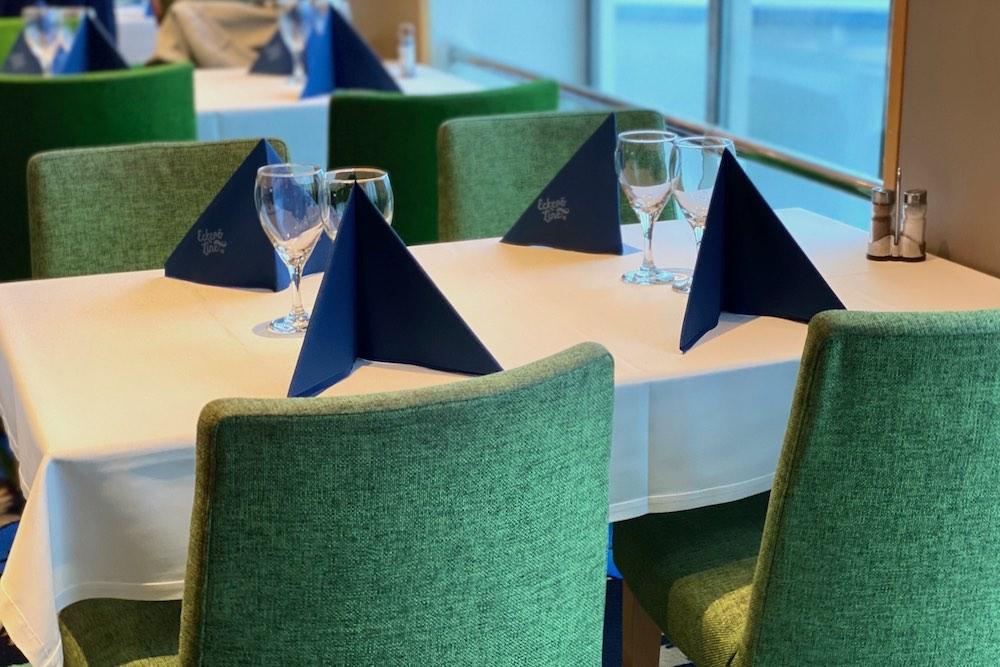 Buffet-ruokapöytä Eckerö Line m/s Finlandia -laivalla syksyllä 2020