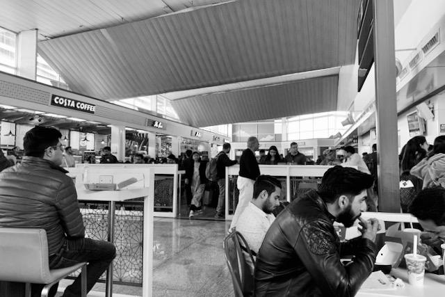 Ravintoloita Delhin kotimaan lentokentällä