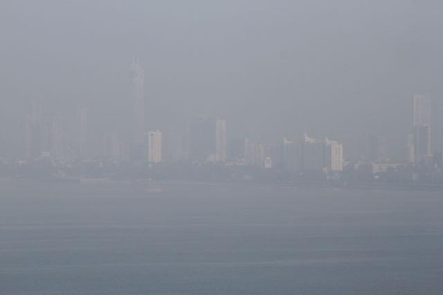 Auringonnousu Mumbaissa