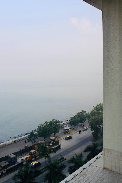 Näkymä ulos hotelli Oberoi Tridentistä Mumbaissa